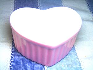 手作りバレンタインにハートのラメキン。